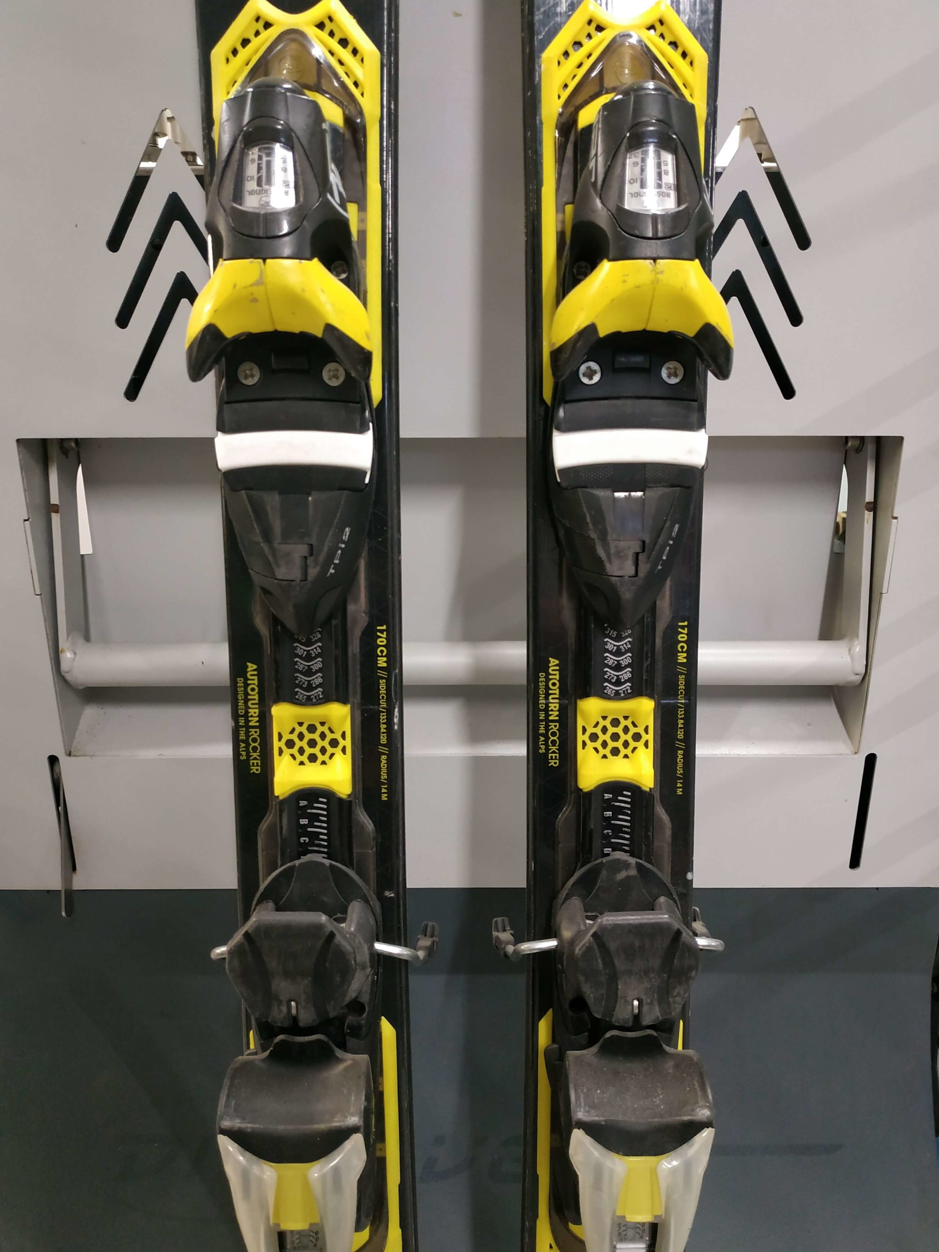 10. Rossignol Experience 84 Carbon 170 R14 (3)