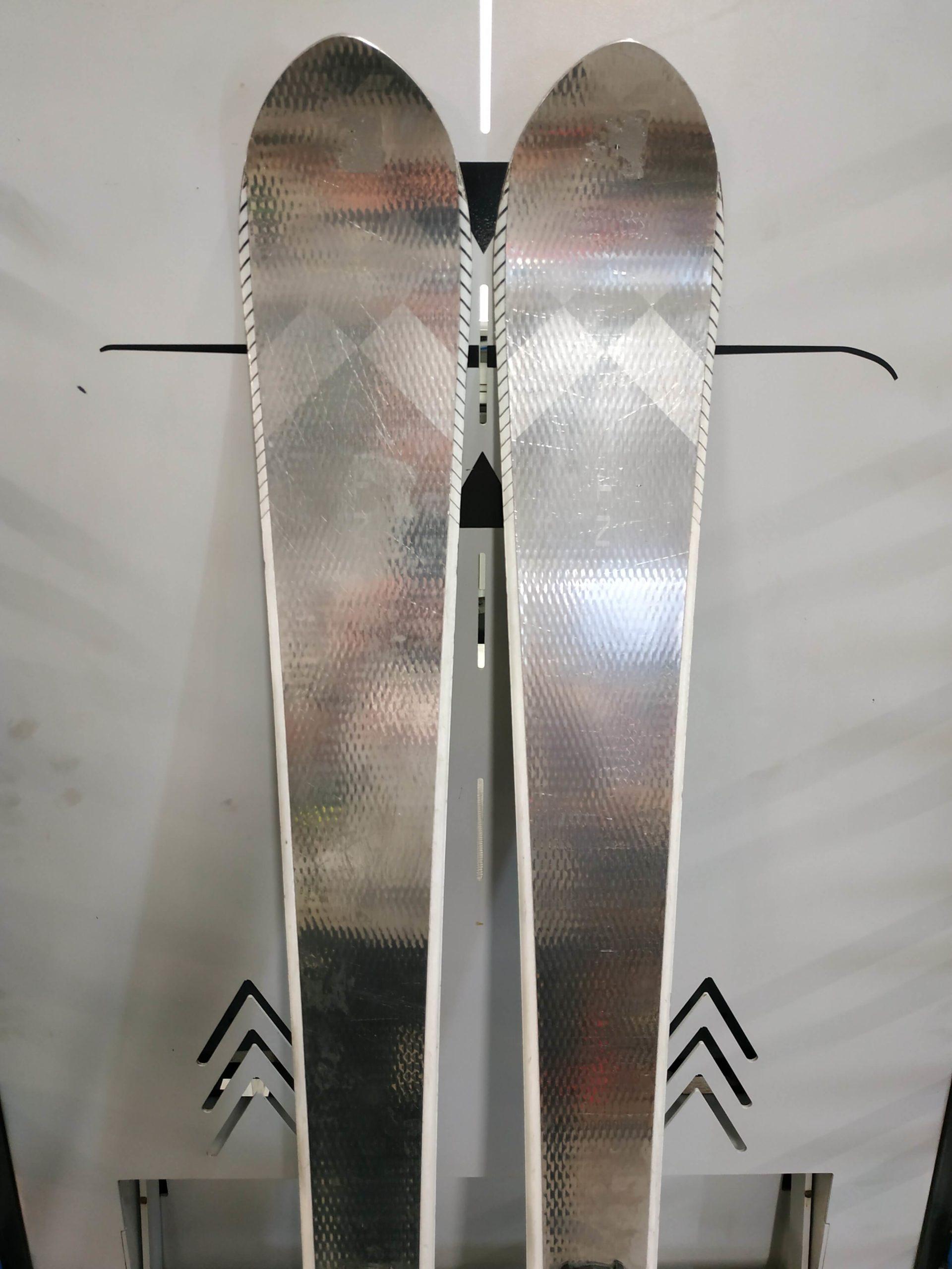 15. Volant Silver Spear 165 (2) R14