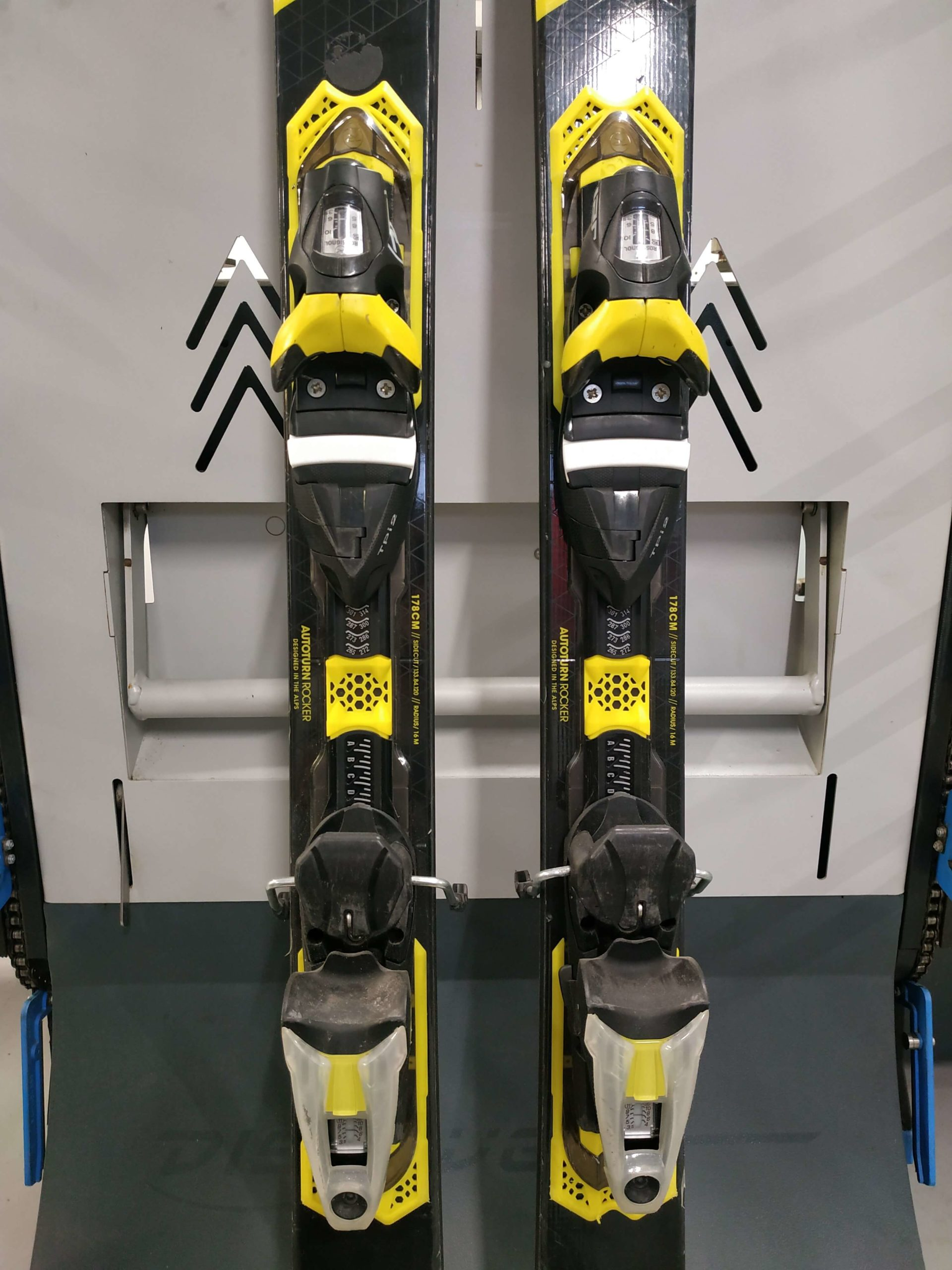 9. Rossignol Experience 84 Carbon 178 R16 (3)